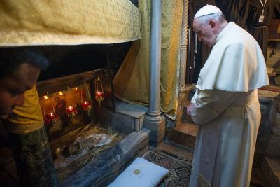 Papa Francesco prega in Terra Santa